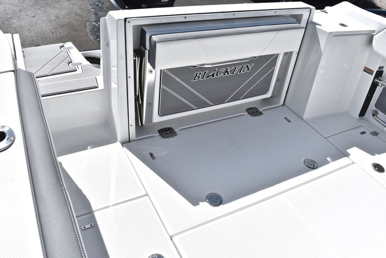 Thumbnail 15 for New 2019 Blackfin 242CC Center Console boat for sale in West Palm Beach, FL