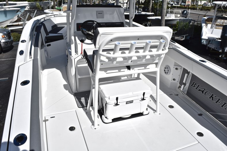 Thumbnail 14 for New 2019 Blackfin 242CC Center Console boat for sale in West Palm Beach, FL