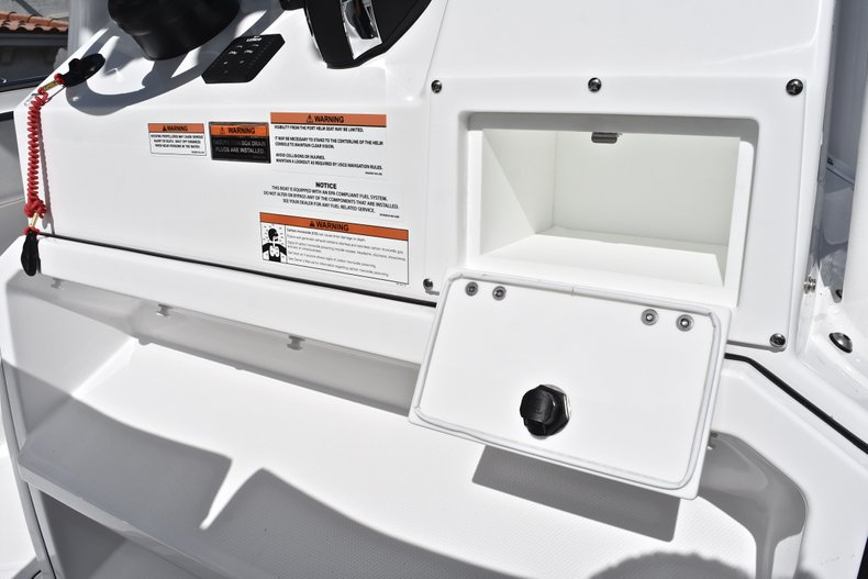 Thumbnail 48 for New 2019 Blackfin 242CC Center Console boat for sale in West Palm Beach, FL