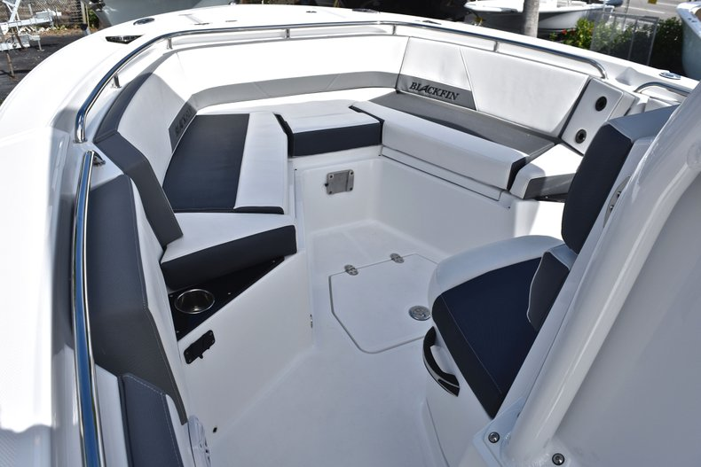 Thumbnail 49 for New 2019 Blackfin 242CC Center Console boat for sale in West Palm Beach, FL