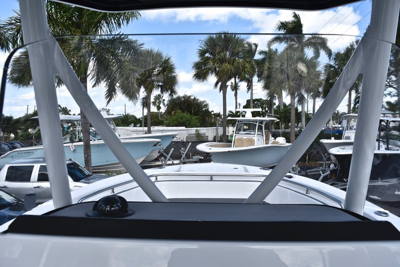 Thumbnail 37 for New 2019 Blackfin 242CC Center Console boat for sale in West Palm Beach, FL