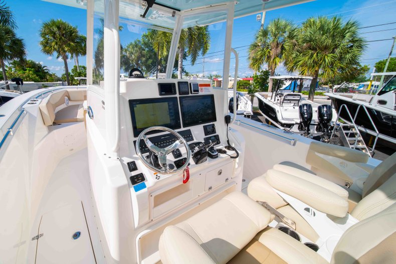 Thumbnail 27 for New 2019 Cobia 320 Center Console boat for sale in Islamorada, FL