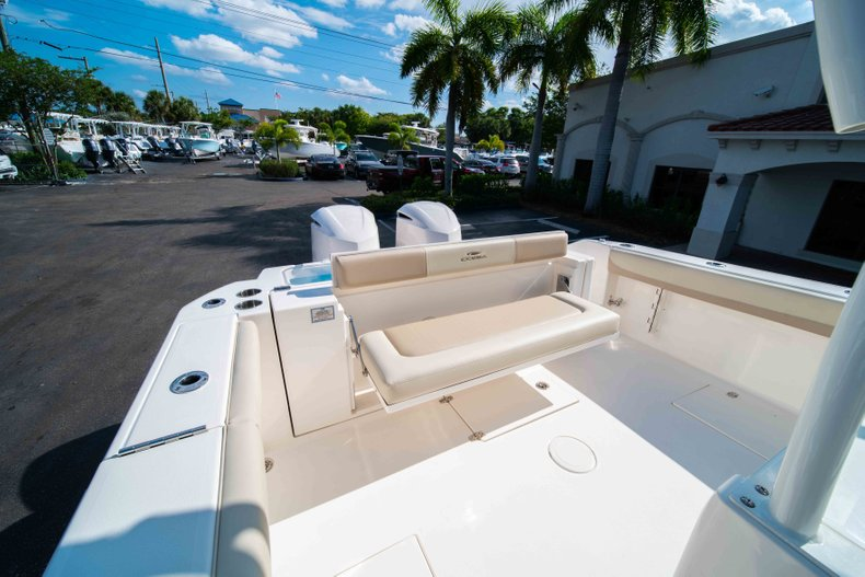 Thumbnail 13 for New 2019 Cobia 320 Center Console boat for sale in Islamorada, FL