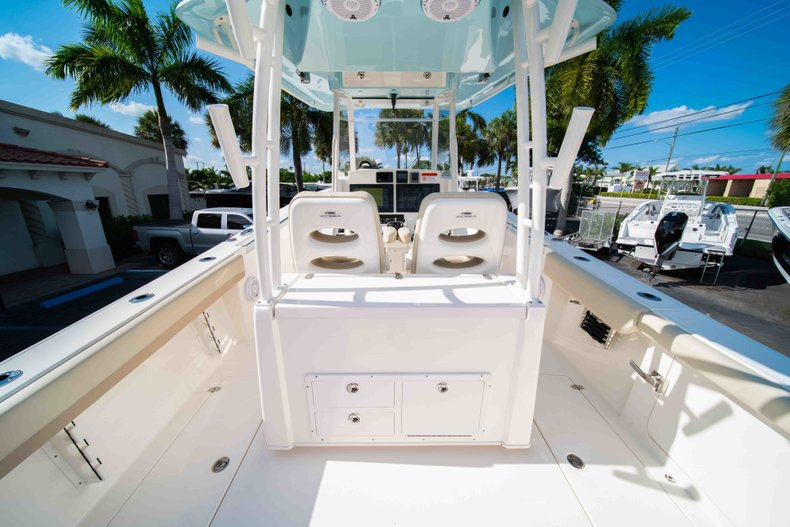 Thumbnail 9 for New 2019 Cobia 320 Center Console boat for sale in Islamorada, FL