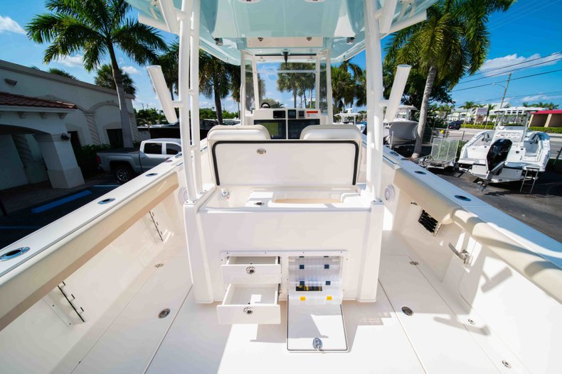 Thumbnail 10 for New 2019 Cobia 320 Center Console boat for sale in Islamorada, FL