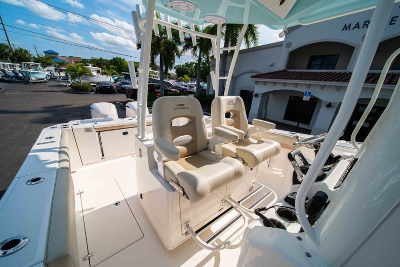Thumbnail 31 for New 2019 Cobia 320 Center Console boat for sale in Islamorada, FL