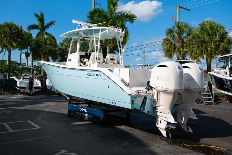 Thumbnail 5 for New 2019 Cobia 320 Center Console boat for sale in Islamorada, FL