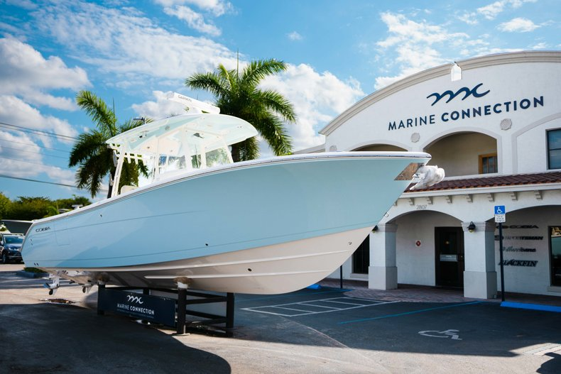 Thumbnail 1 for New 2019 Cobia 320 Center Console boat for sale in Islamorada, FL