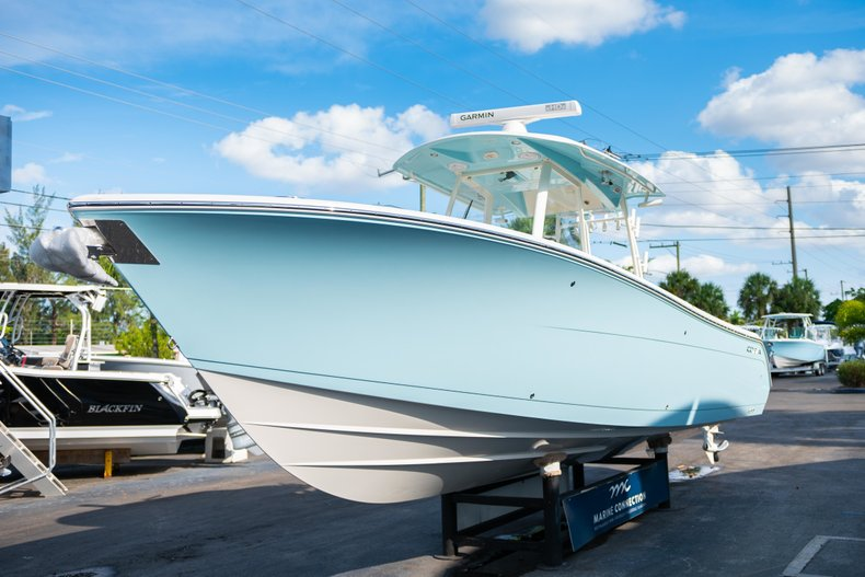 Thumbnail 3 for New 2019 Cobia 320 Center Console boat for sale in Islamorada, FL