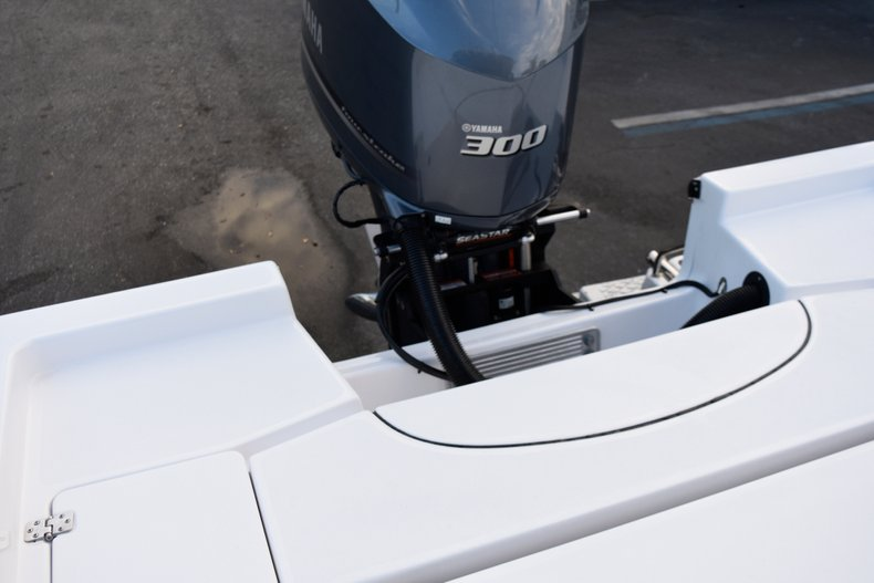 Thumbnail 70 for New 2019 Sportsman Masters 247 Bay Boat boat for sale in Miami, FL