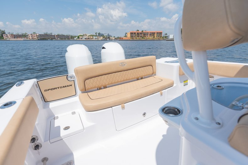 Thumbnail 2 for New 2019 Sportsman Heritage 251 Center Console boat for sale in West Palm Beach, FL