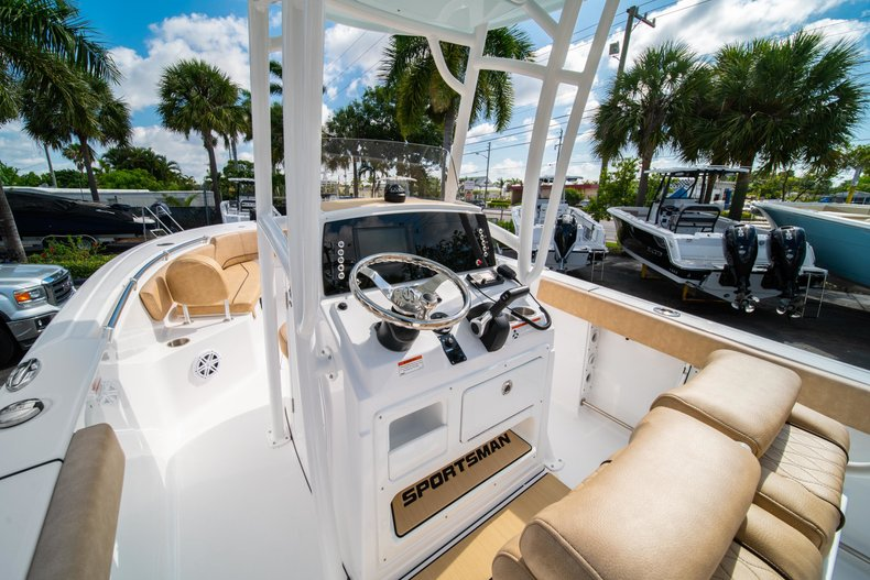 Thumbnail 24 for New 2019 Sportsman Open 232 Center Console boat for sale in West Palm Beach, FL