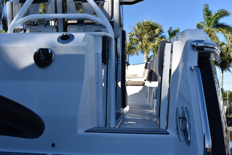 Image 10 for 2019 Blackfin 272CC Center Console in West Palm Beach, FL
