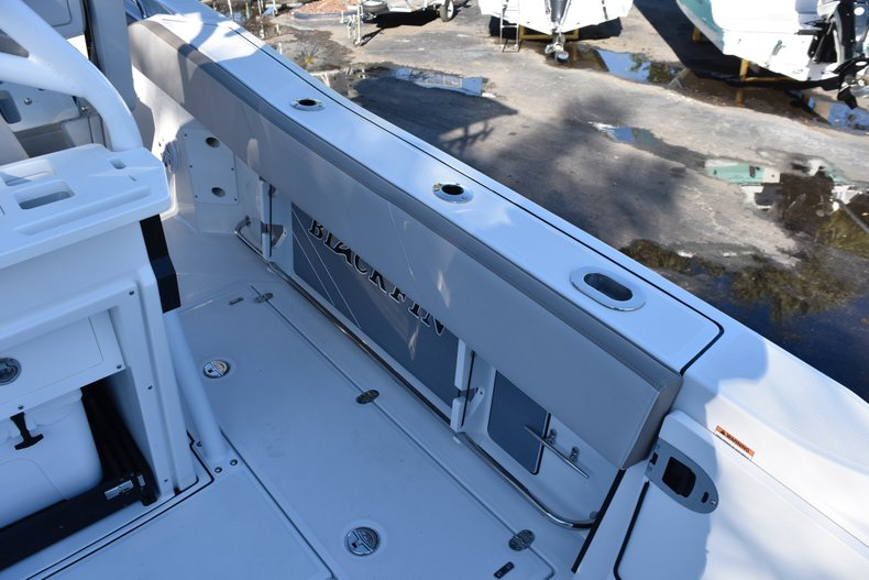 Thumbnail 38 for New 2019 Blackfin 272CC Center Console boat for sale in Fort Lauderdale, FL