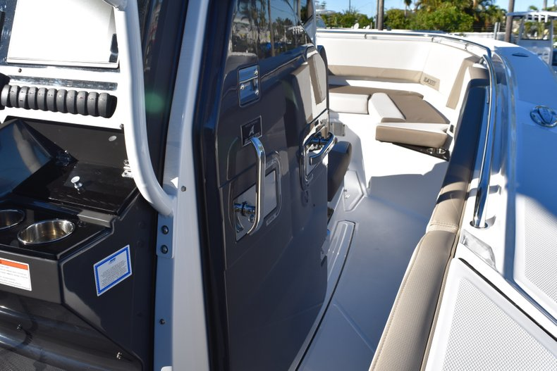 Thumbnail 58 for New 2019 Blackfin 272CC Center Console boat for sale in Fort Lauderdale, FL