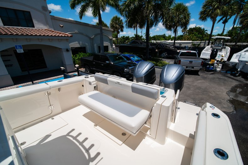 Thumbnail 9 for New 2019 Cobia 320 Center Console boat for sale in West Palm Beach, FL