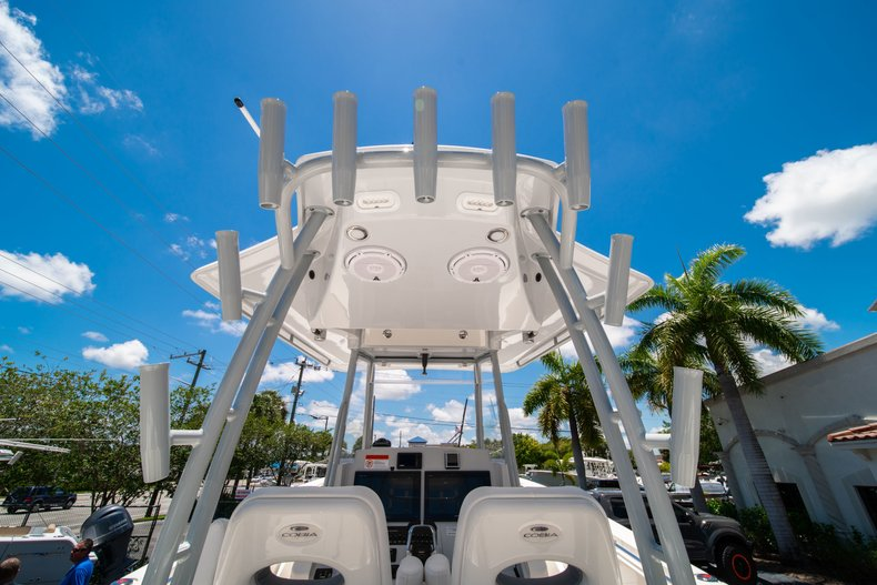 Thumbnail 15 for New 2019 Cobia 320 Center Console boat for sale in West Palm Beach, FL