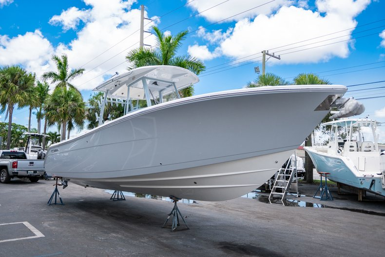 Thumbnail 5 for New 2019 Cobia 320 Center Console boat for sale in West Palm Beach, FL