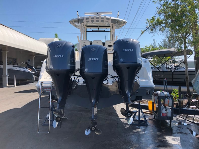 Thumbnail 1 for New 2019 Cobia 344 Center Console boat for sale in Vero Beach, FL