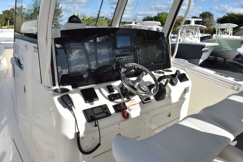 Thumbnail 44 for New 2019 Cobia 344 Center Console boat for sale in Vero Beach, FL