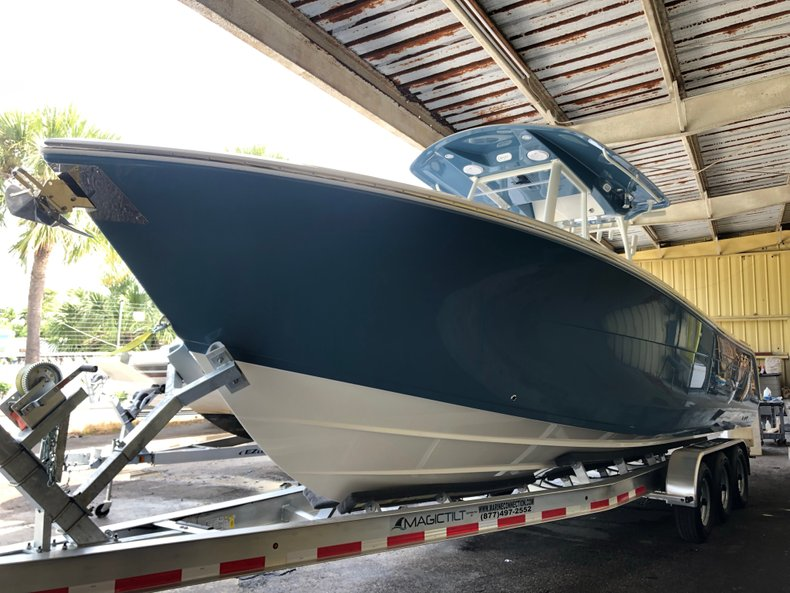 Image 2 for 2019 Cobia 301 CC Center Console in West Palm Beach, FL