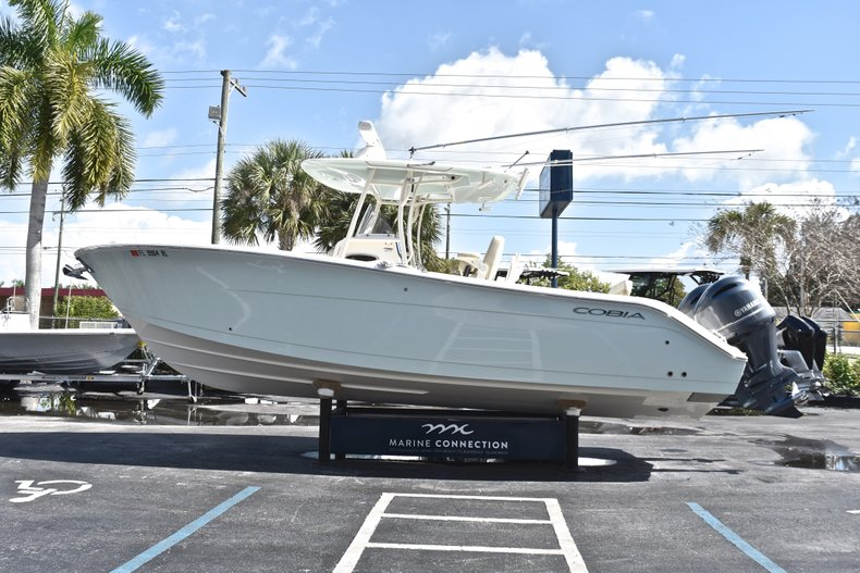 Thumbnail 4 for Used 2018 Cobia 277 Center Console boat for sale in West Palm Beach, FL
