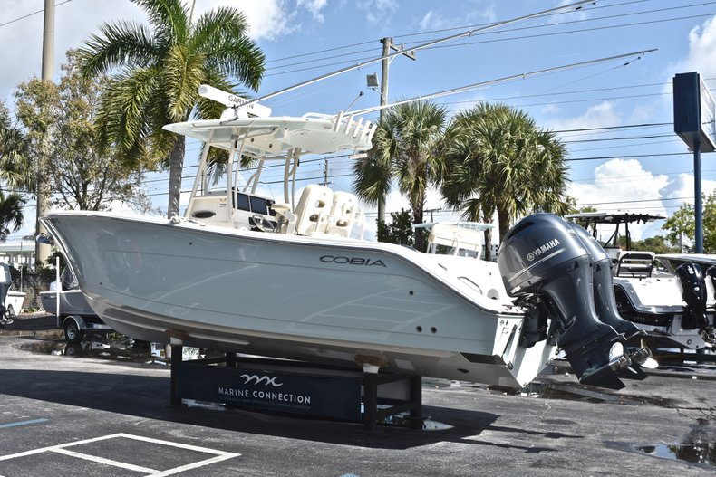 Image 5 for 2018 Cobia 277 Center Console in West Palm Beach, FL