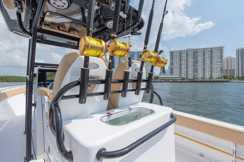 Thumbnail 3 for New 2019 Sportsman Open 282 TE Center Console boat for sale in West Palm Beach, FL
