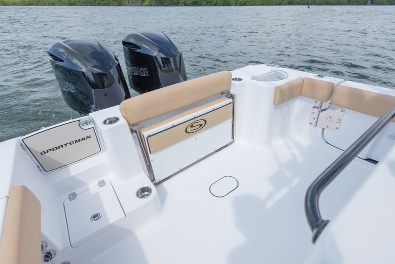 Thumbnail 2 for New 2019 Sportsman Open 282 TE Center Console boat for sale in West Palm Beach, FL