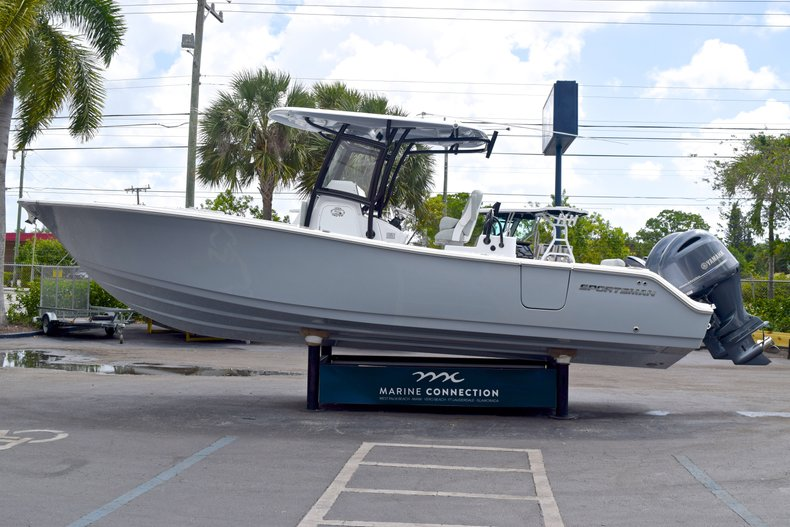 Thumbnail 4 for New 2019 Sportsman Open 282 TE Center Console boat for sale in Vero Beach, FL