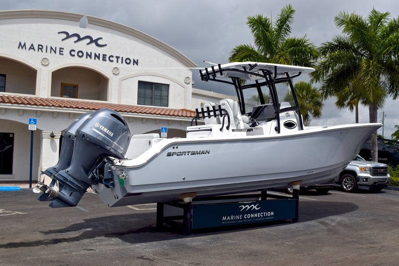Thumbnail 7 for New 2019 Sportsman Open 282 TE Center Console boat for sale in Vero Beach, FL