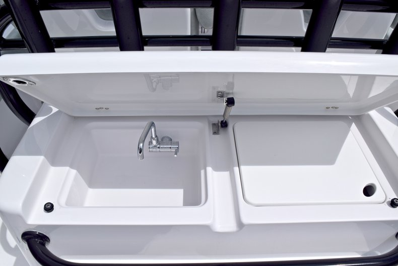 Thumbnail 27 for New 2019 Sportsman Open 282 TE Center Console boat for sale in Vero Beach, FL