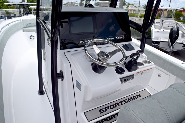 Thumbnail 42 for New 2019 Sportsman Open 282 TE Center Console boat for sale in Vero Beach, FL