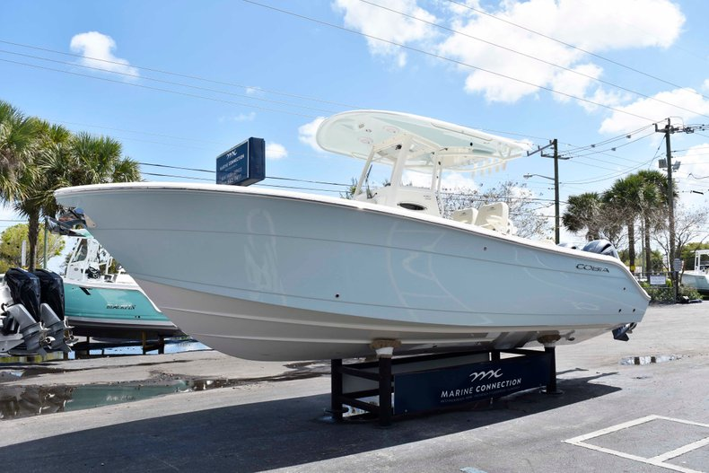 Thumbnail 3 for New 2019 Cobia 262 Center Console boat for sale in West Palm Beach, FL