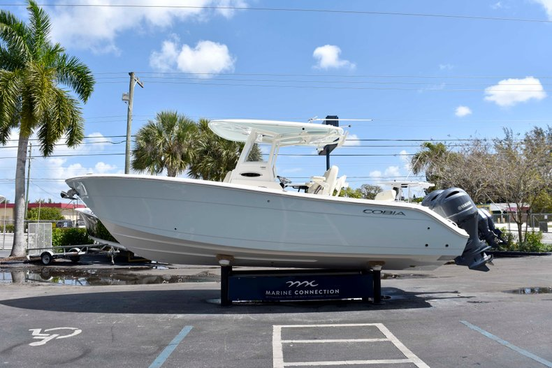 Thumbnail 4 for New 2019 Cobia 262 Center Console boat for sale in West Palm Beach, FL