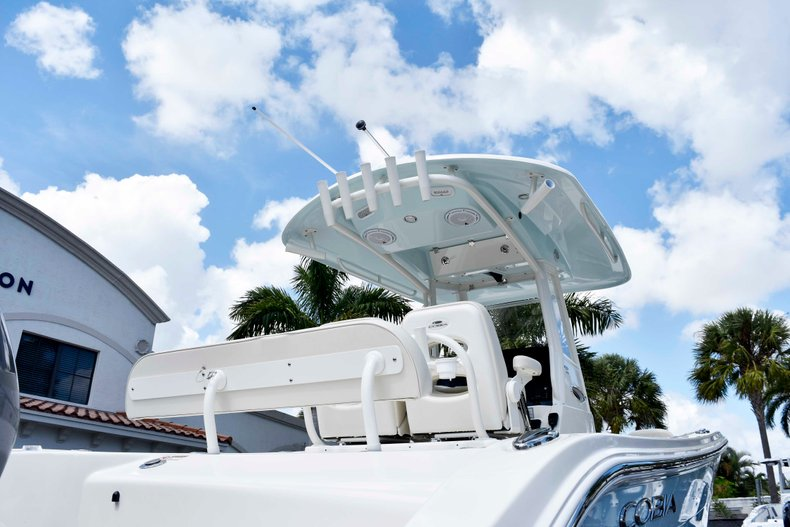 Thumbnail 8 for New 2019 Cobia 262 Center Console boat for sale in West Palm Beach, FL