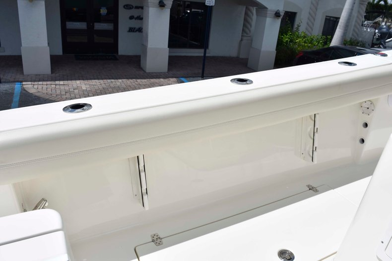 Thumbnail 19 for New 2019 Cobia 262 Center Console boat for sale in West Palm Beach, FL