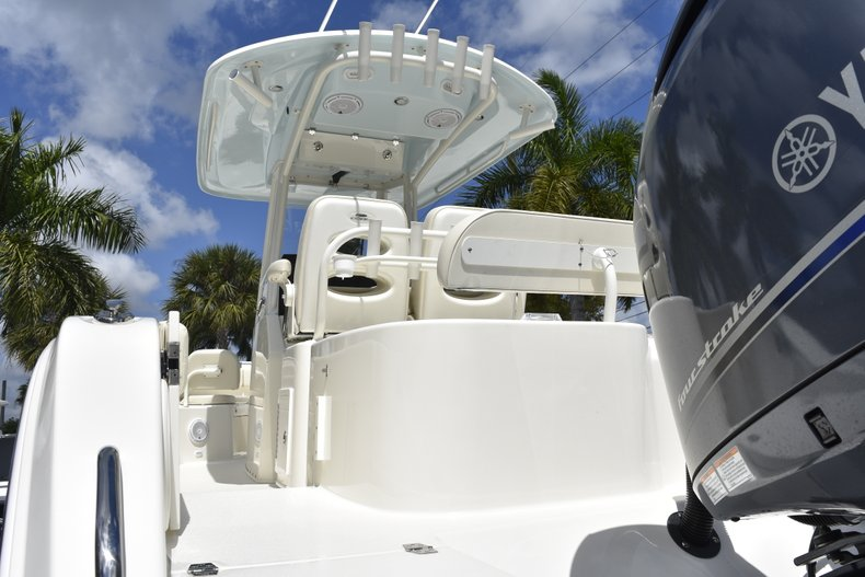 Thumbnail 11 for New 2019 Cobia 262 Center Console boat for sale in West Palm Beach, FL