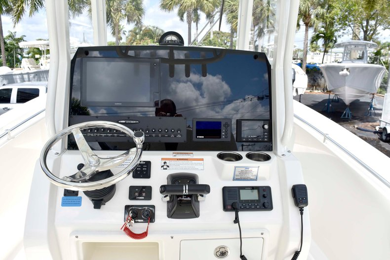 Thumbnail 33 for New 2019 Cobia 262 Center Console boat for sale in West Palm Beach, FL
