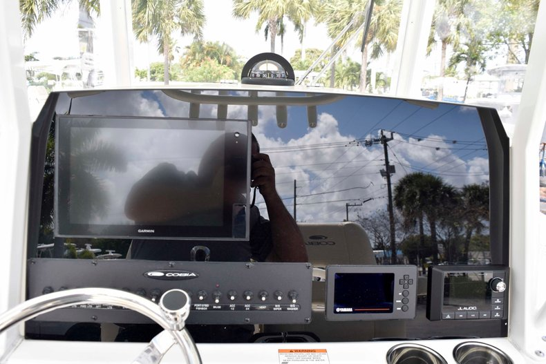 Thumbnail 44 for New 2019 Cobia 262 Center Console boat for sale in West Palm Beach, FL