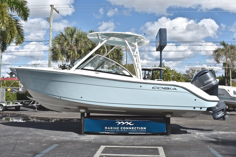 Thumbnail 5 for New 2019 Cobia 240 Dual Console boat for sale in Vero Beach, FL