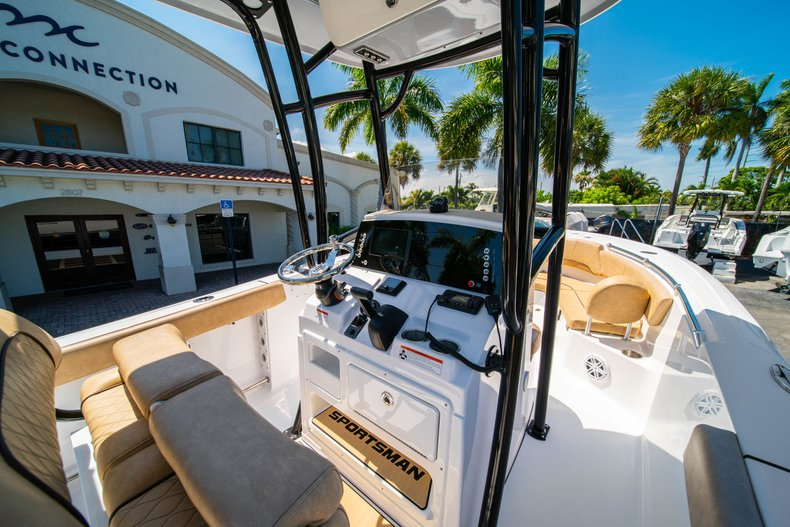 Thumbnail 22 for New 2019 Sportsman Heritage 231 Center Console boat for sale in West Palm Beach, FL