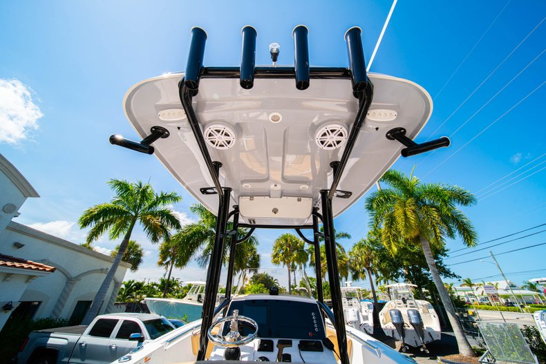 Thumbnail 15 for New 2019 Sportsman Heritage 231 Center Console boat for sale in West Palm Beach, FL