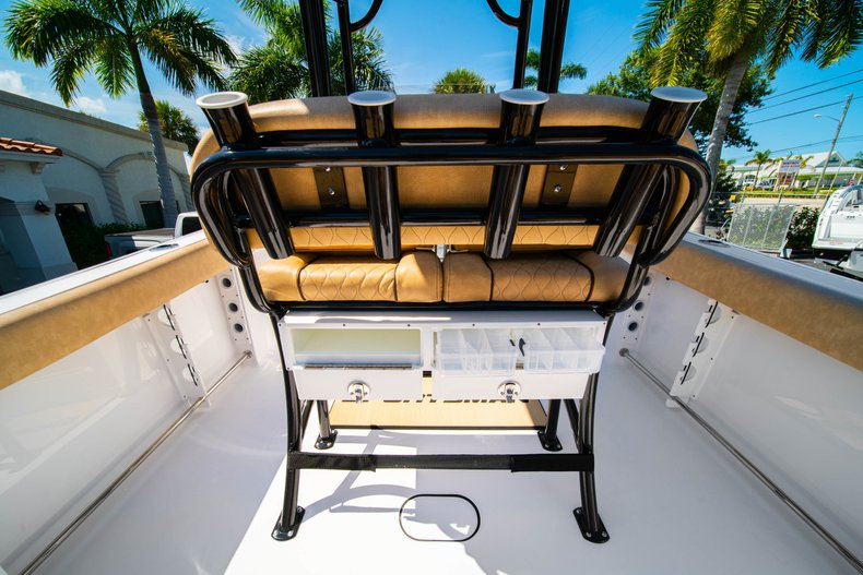 Thumbnail 17 for New 2019 Sportsman Heritage 231 Center Console boat for sale in West Palm Beach, FL