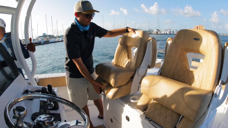 Thumbnail 20 for New 2019 Sportsman Open 312 Center Console boat for sale in West Palm Beach, FL