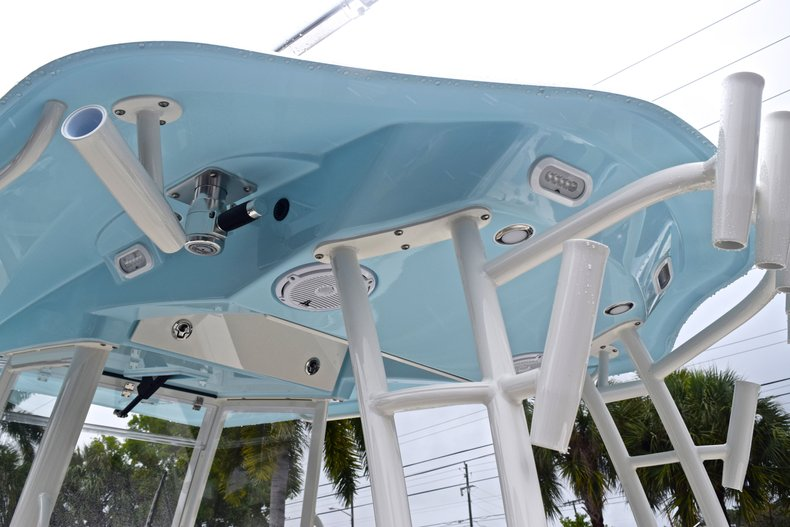Thumbnail 37 for New 2019 Cobia 301 CC Center Console boat for sale in Miami, FL