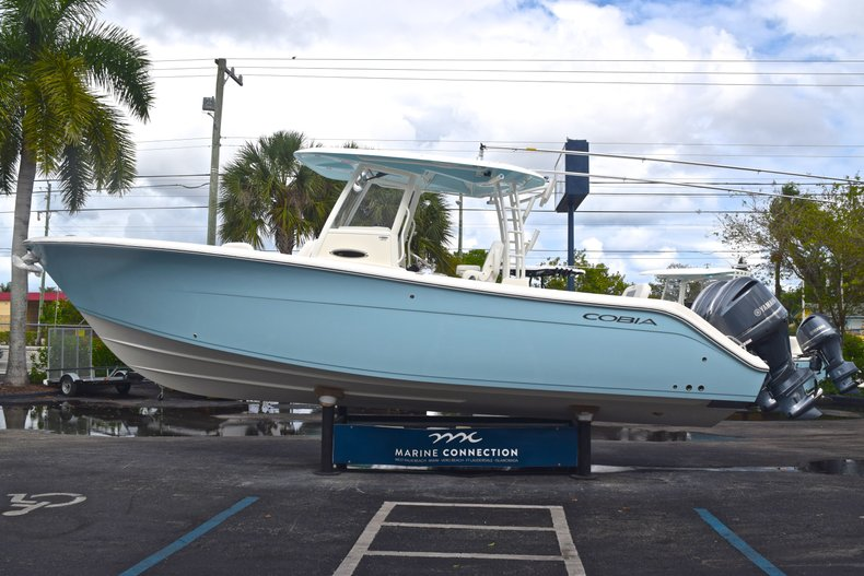 Thumbnail 5 for New 2019 Cobia 301 CC Center Console boat for sale in Vero Beach, FL