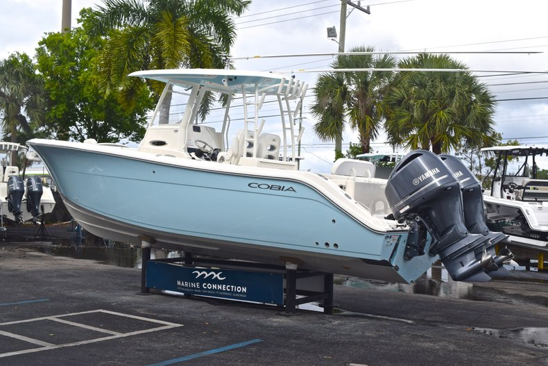 Thumbnail 6 for New 2019 Cobia 301 CC Center Console boat for sale in Vero Beach, FL