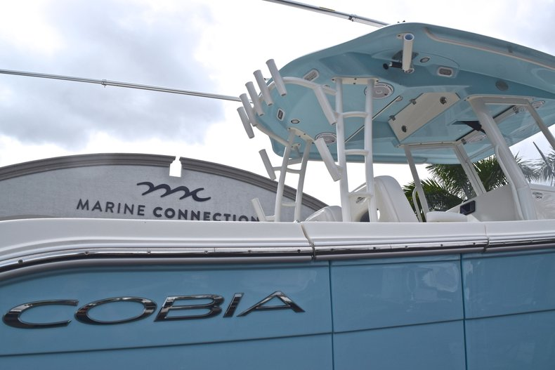 Thumbnail 9 for New 2019 Cobia 301 CC Center Console boat for sale in Miami, FL