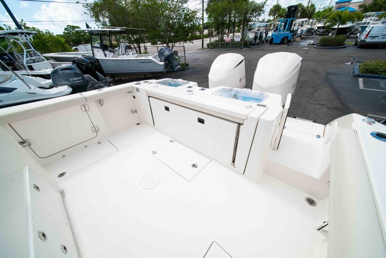 Thumbnail 11 for New 2019 Cobia 320 Center Console boat for sale in West Palm Beach, FL